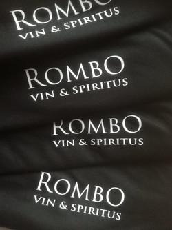 RombO tshirts med lgoo