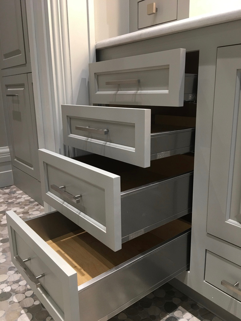 Shower cabinet5- drawers.jpg