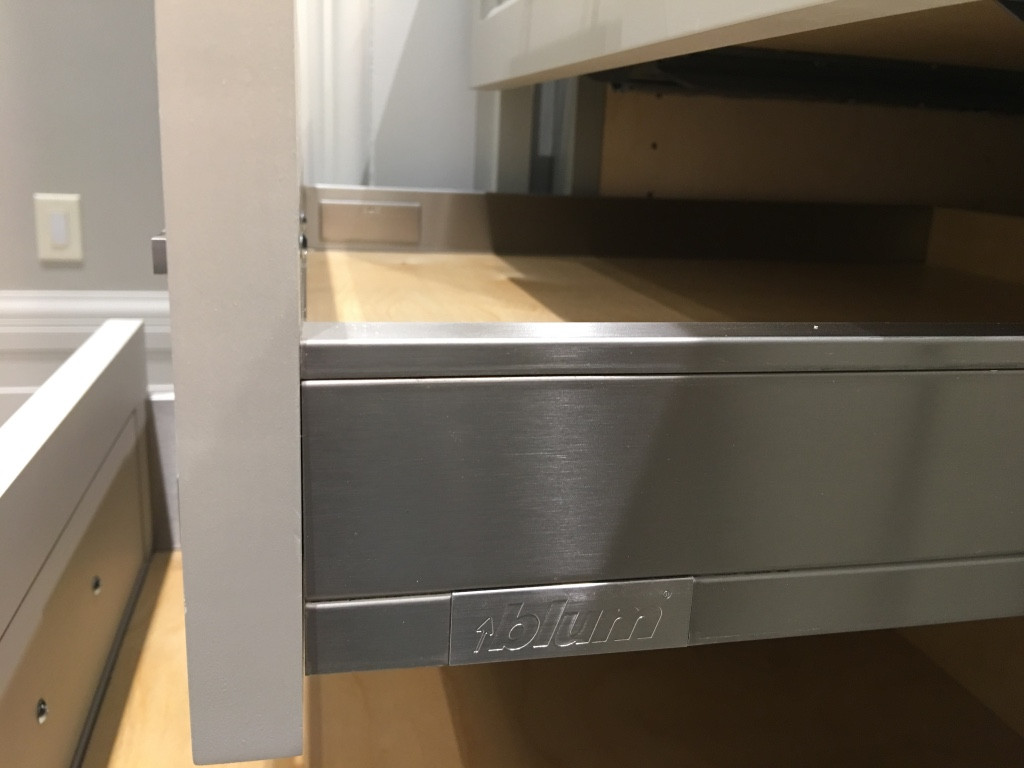 Shower cabinet6- drawers.jpg