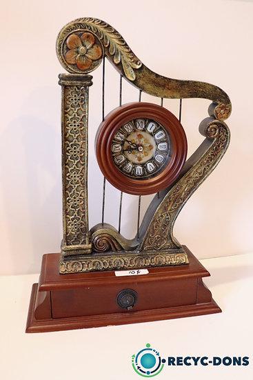 Horloge look vintage avec petit tiroir