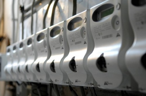 Elettricità, con il 2016 bolletta più cara per chi consuma meno. MC Energy Cuneo