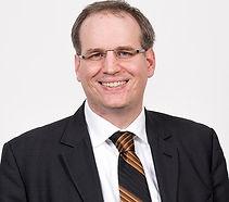 Peter-Scholz-Professor-HSBA_edited.jpg