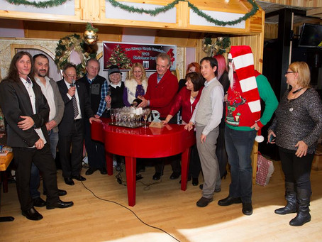 Chicago Chopin Foundation Celebrates Christmas With Unveiling Of New Piano