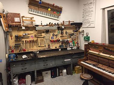 Piano-Store Werkstatt.JPG
