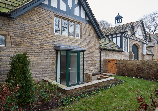 smithills cottage 1