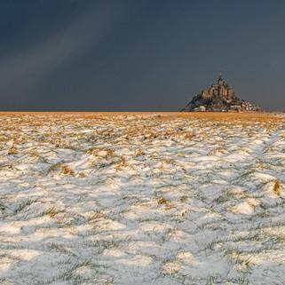 Le Mont-Saint-Michel sous la neige