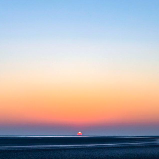 Coucher de soleil dans la baie. Panoramique