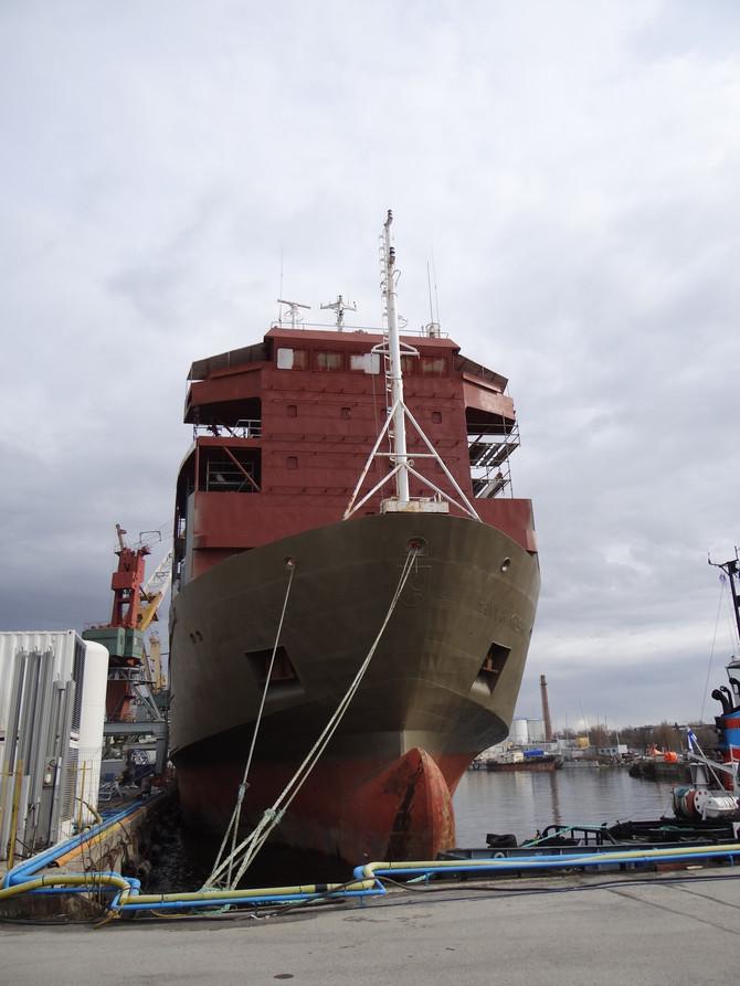 Contract on Ship in Tallinn