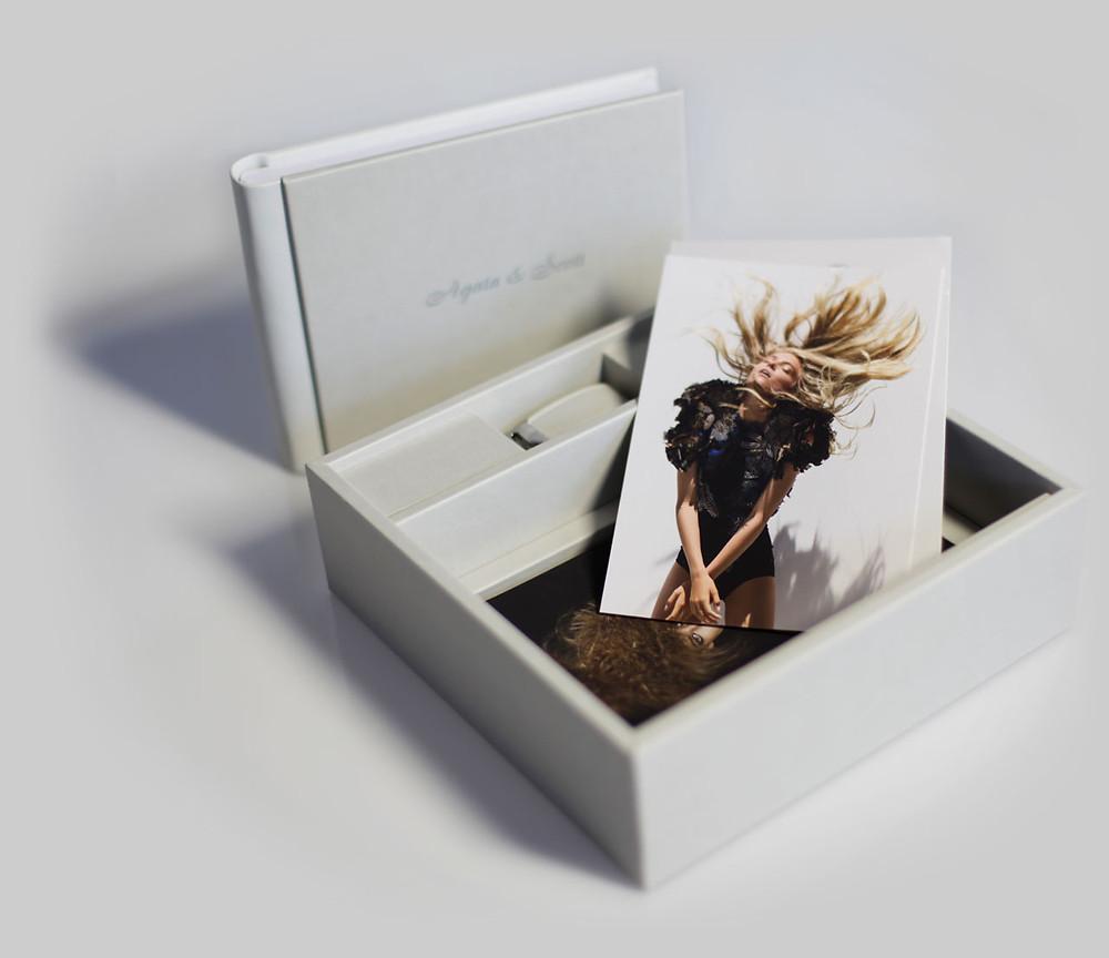 Go Book + Box + Chiavetta Usb