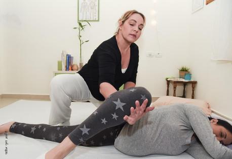 טיפול בכאבי אגן בהריון.jpg
