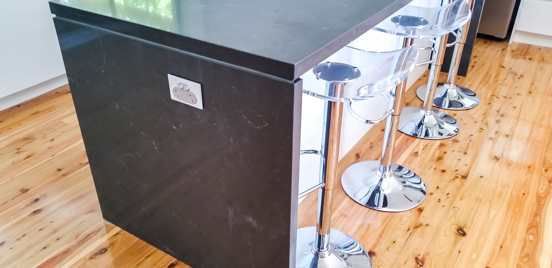 Kitchen Island with bar chairs