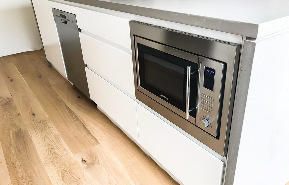 Kitchen Island with build-in appliances