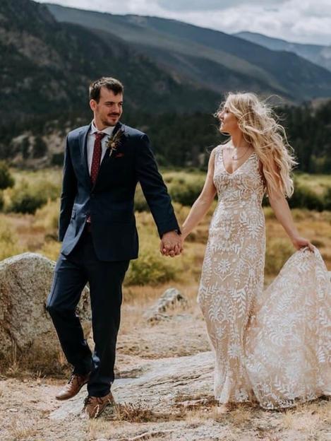 Megan's wedding in W-too Gown