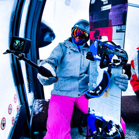 nu_grip_goprohero8_selfie_snowboarding.j