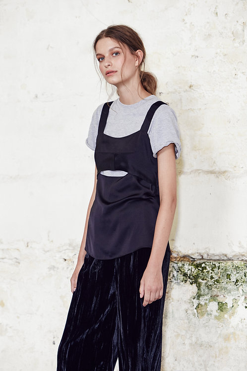 Wide Strap Keyhole Camisole Black