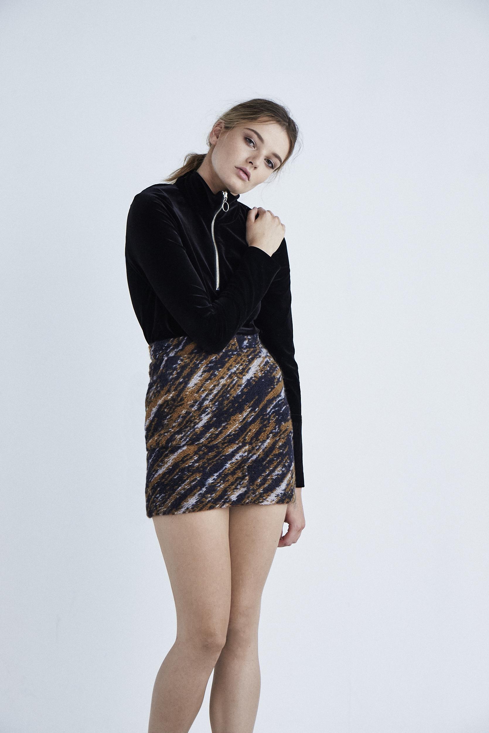 Zip Velvet Turtle Neck_Pattern Skirt
