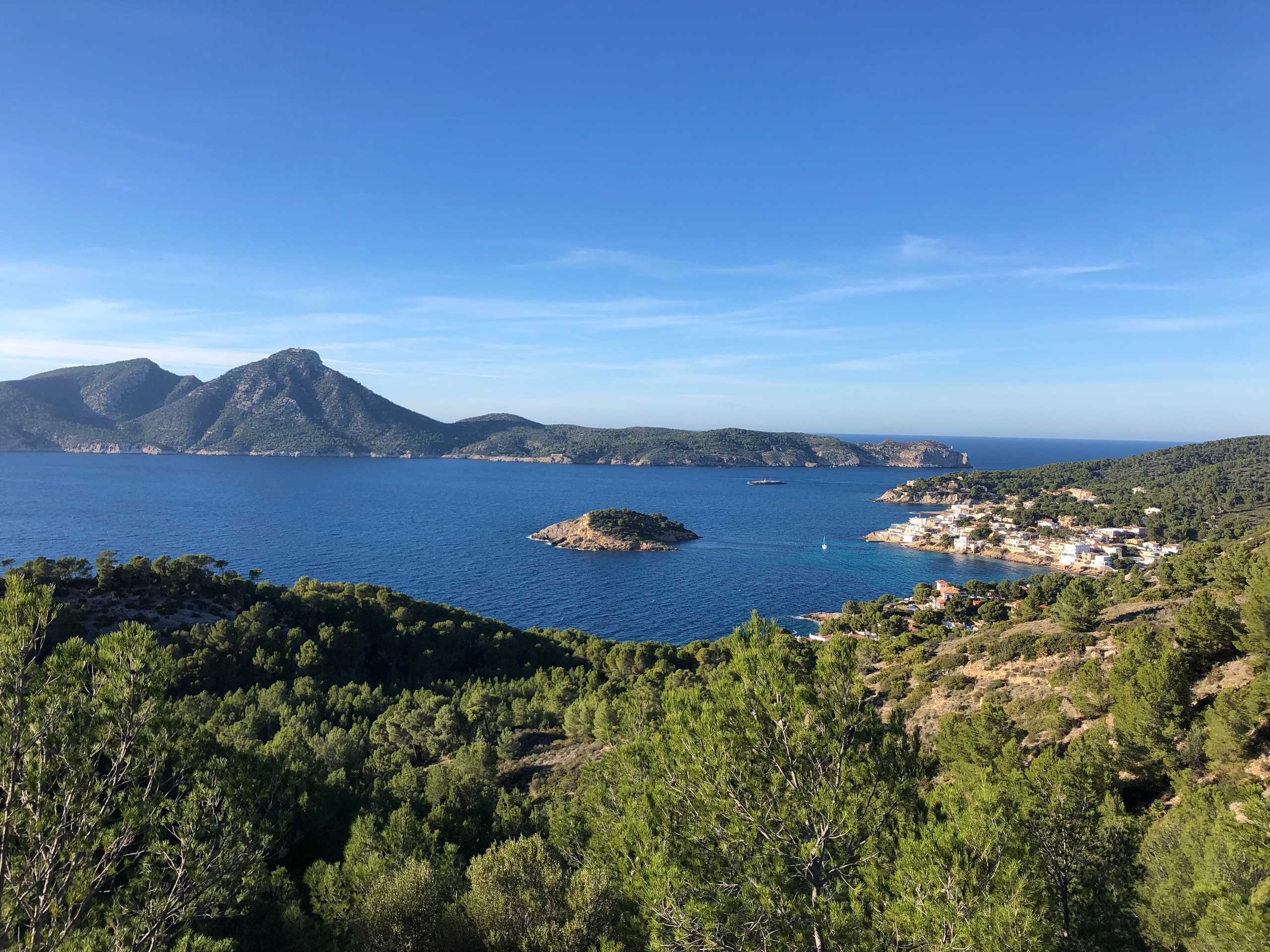 Blick vom Pass auf Sant Elm