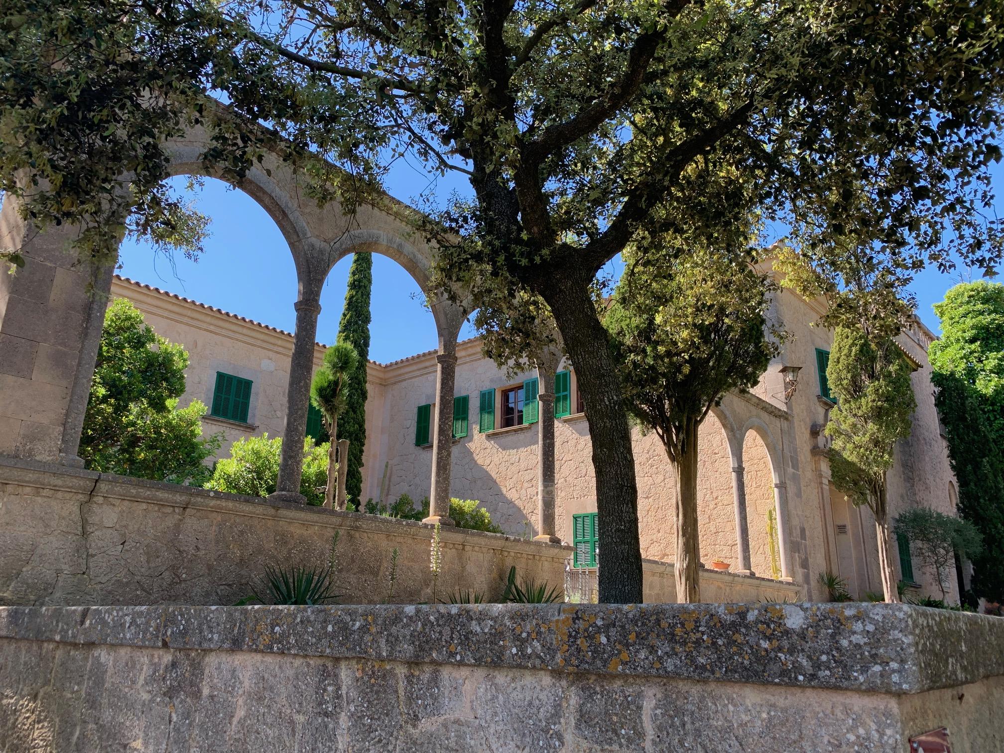 3. Kloster