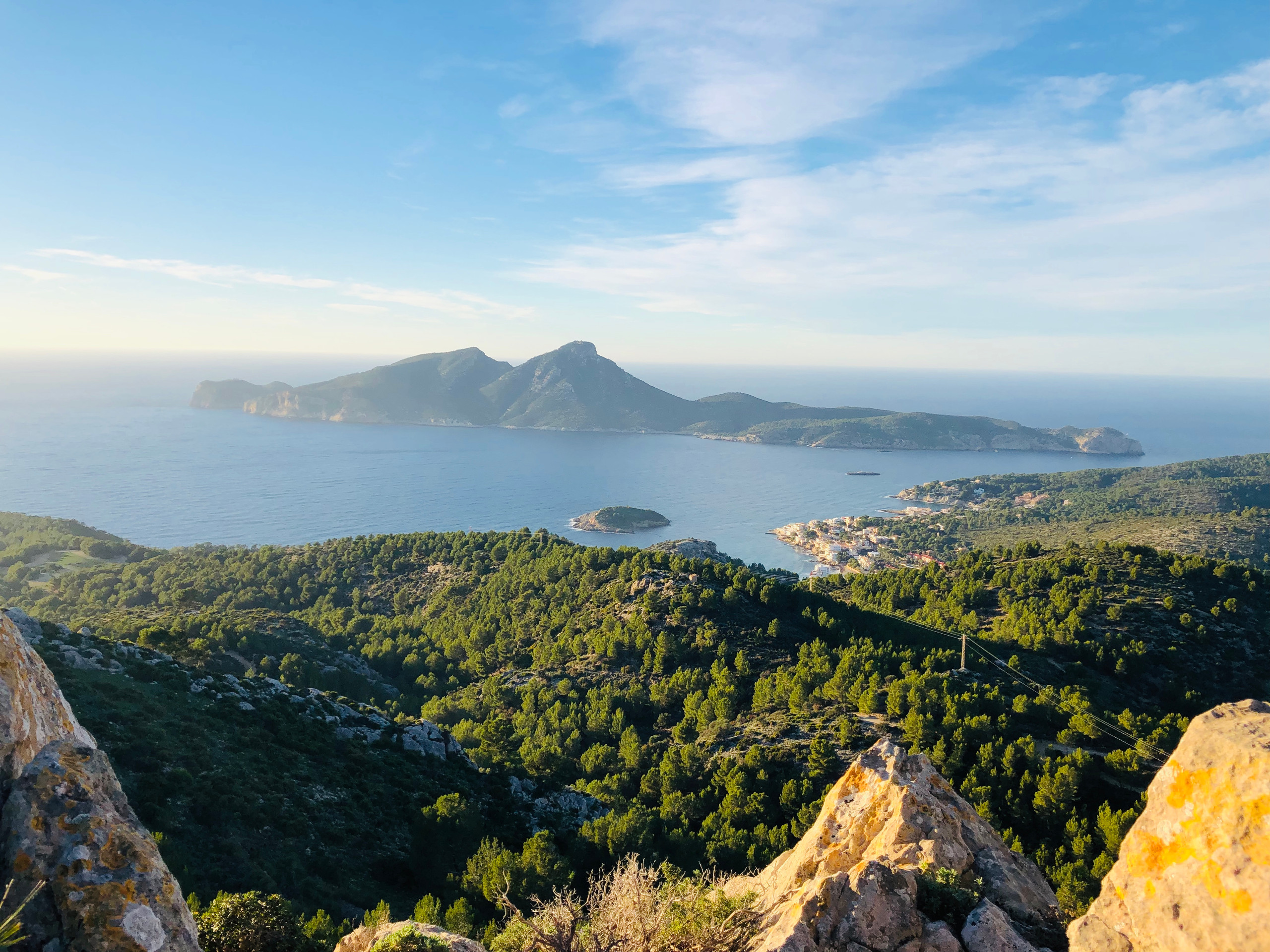 Blick nach Dragonera und Sant Elm vom oberen Pass