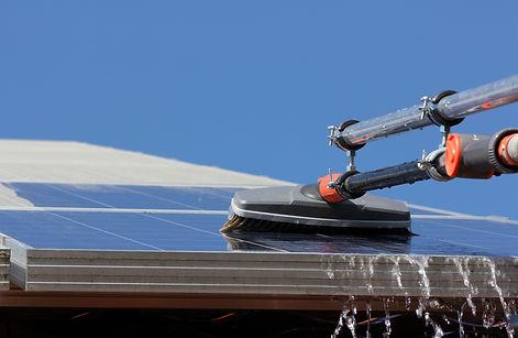 Nettoyage de panneaux solaire