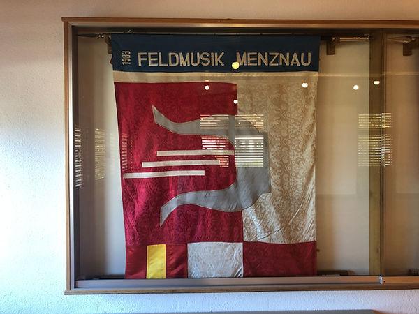 07_Foto Vereinsfahne 1983-2021.JPG