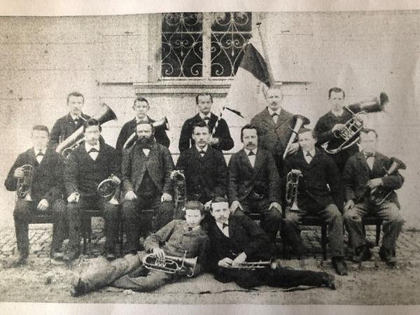 07_Foto_Vereinsfahne1846-1901.jpg