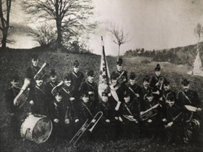 07_Foto_Vereinsfahne1901-1933.jpg