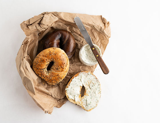 Bagel%20with%20cream%20cheese_edited.jpg