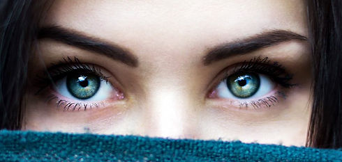 green_eyes_unsplash_1024_edited.jpg