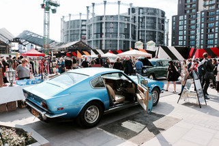 Sun Shines On The Vintage Classic Car Boot Sale