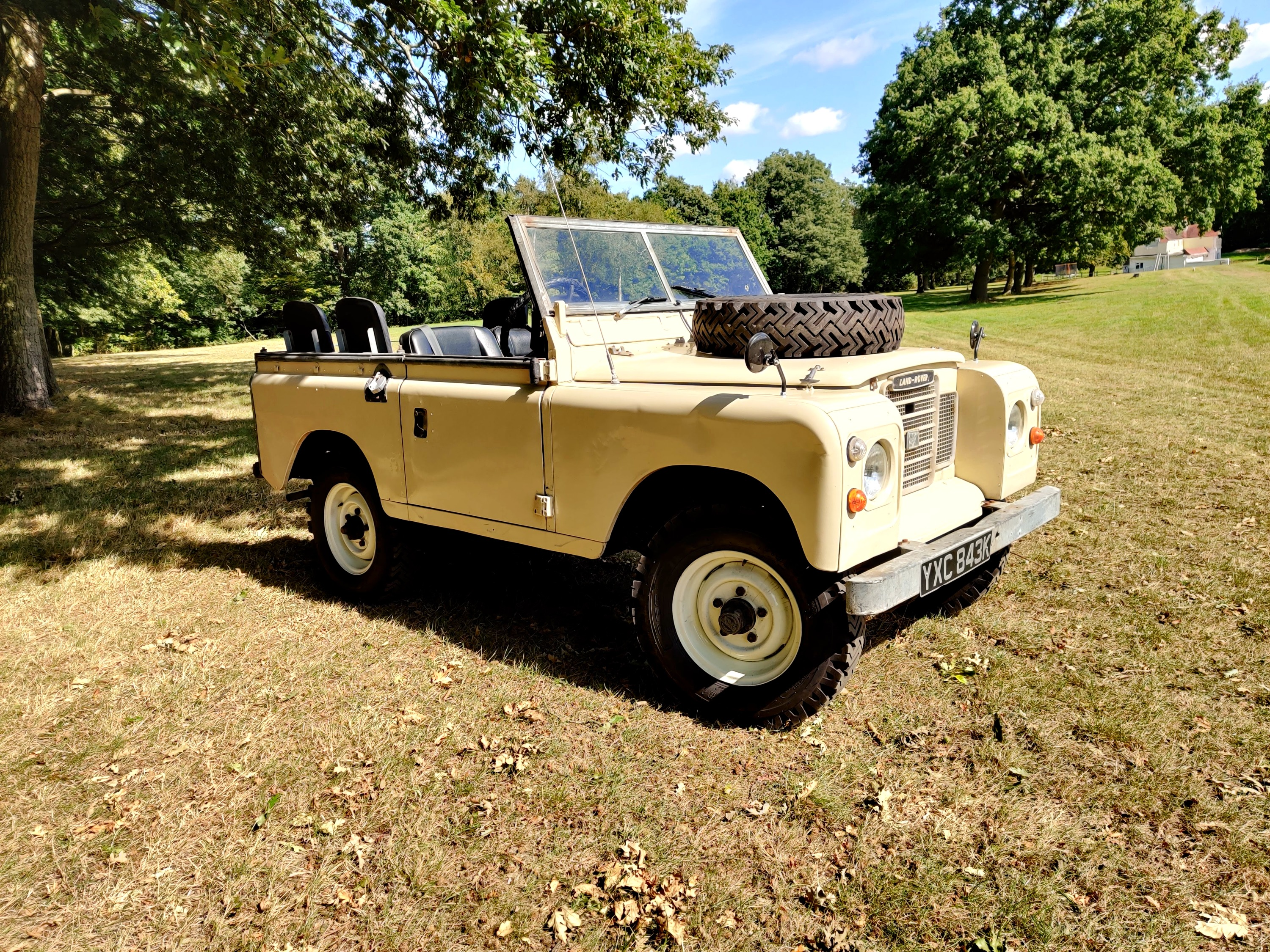 Land Rover fore Hire 2
