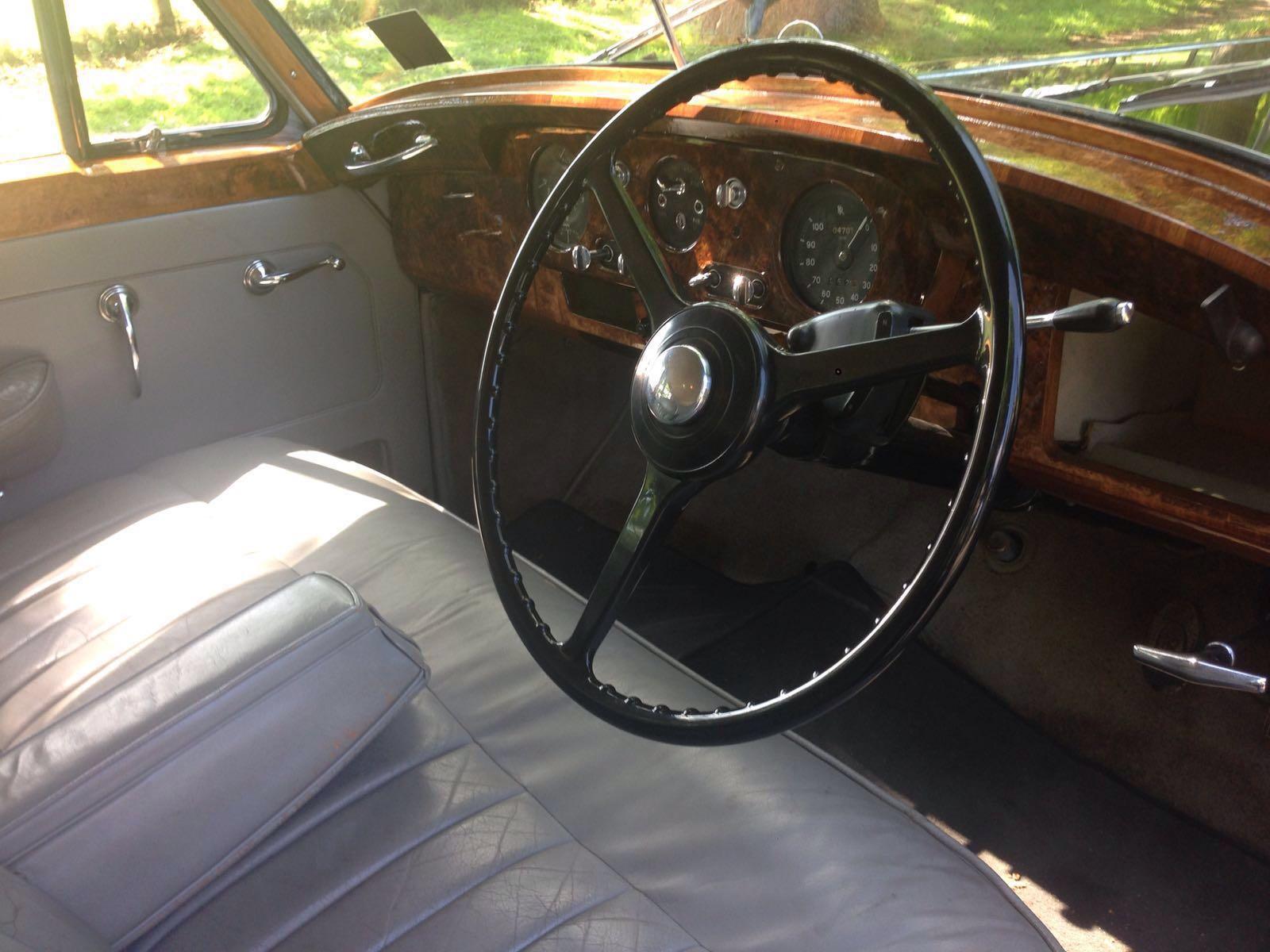 Rolls Royce Silver Cloud interior