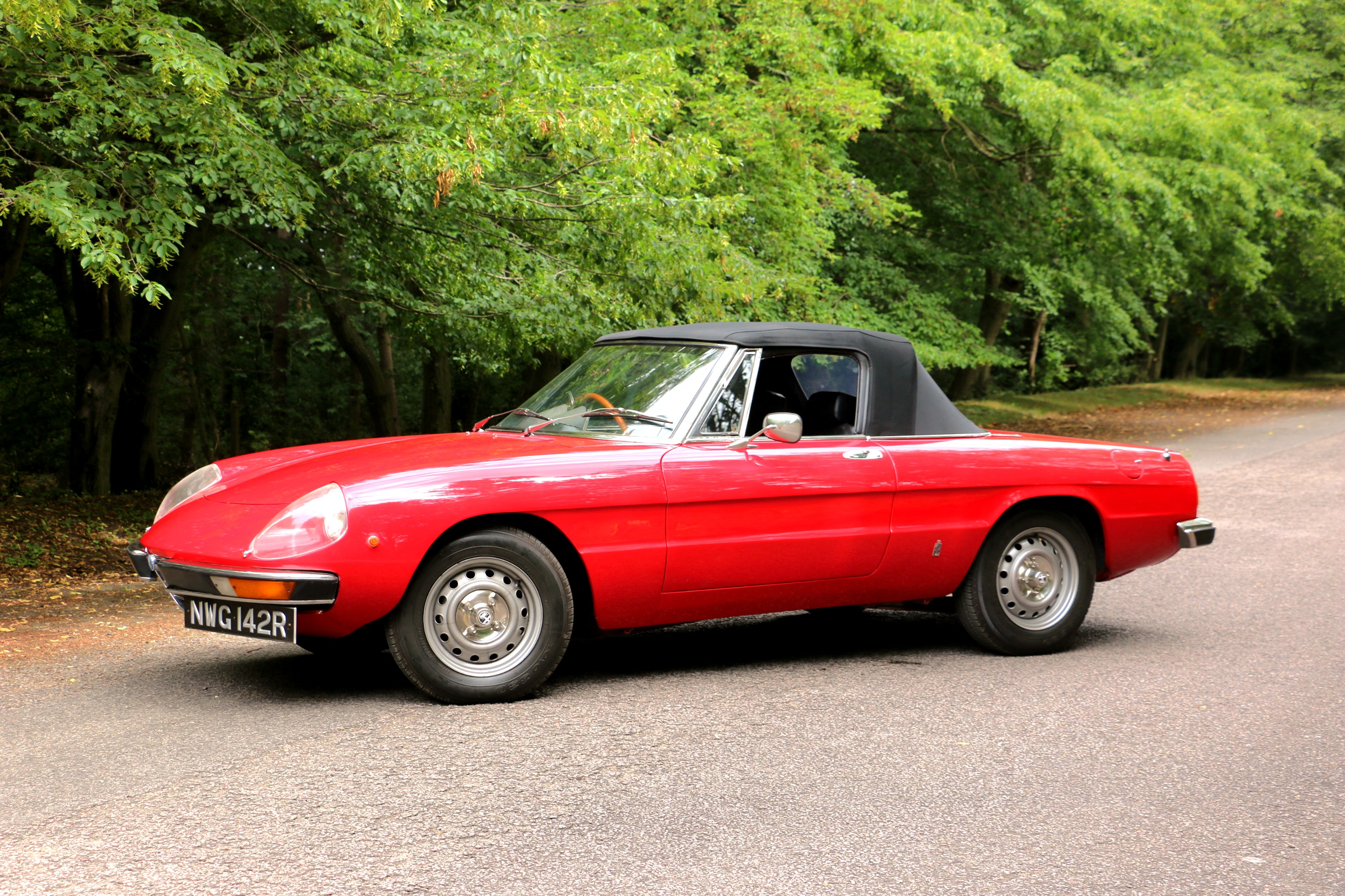 Alfa Romeo 2000 Spider for hire 8