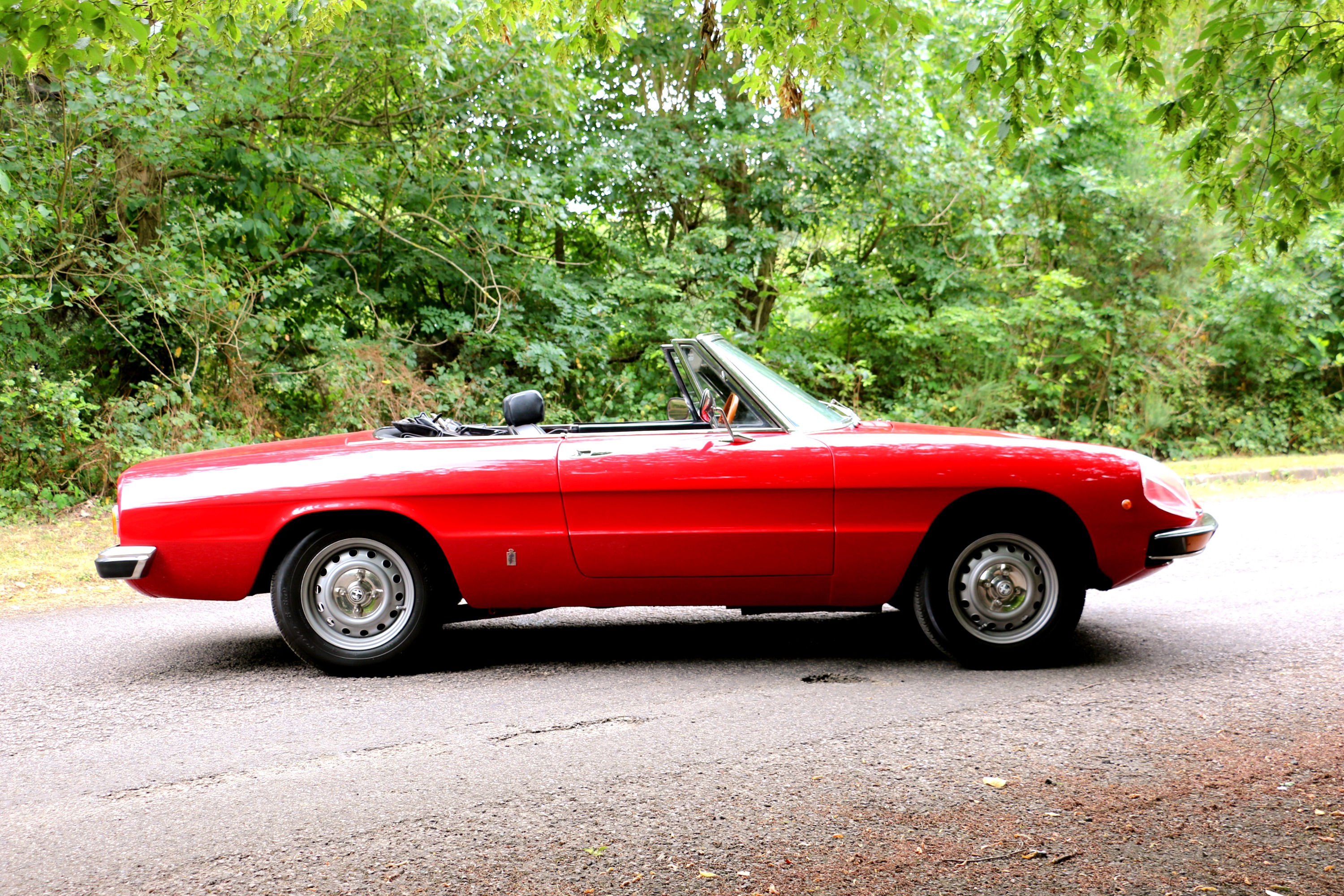 Alfa Romeo 2000 Spider for hire 3