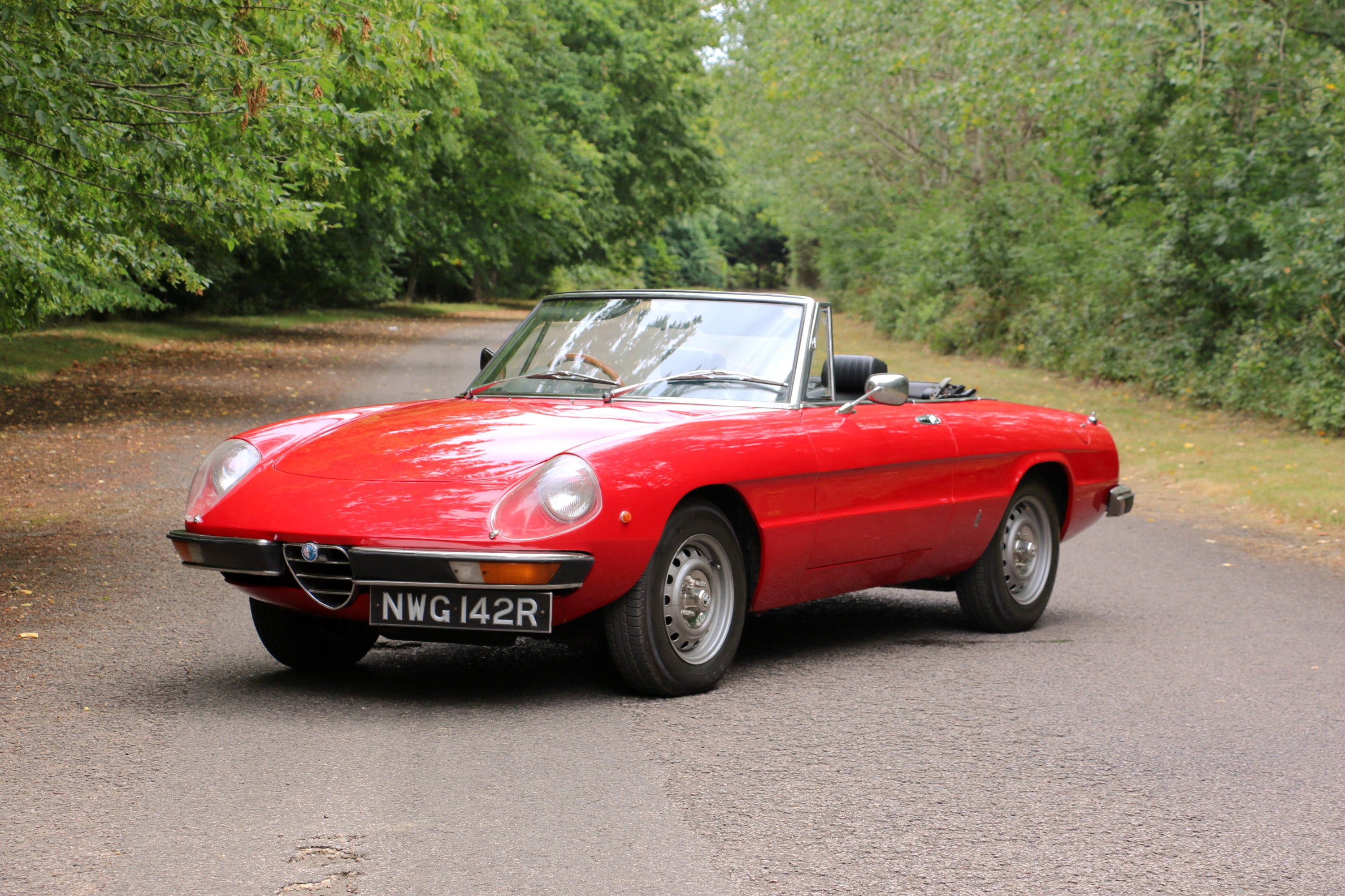 Alfa Romeo 2000 Spider for hire