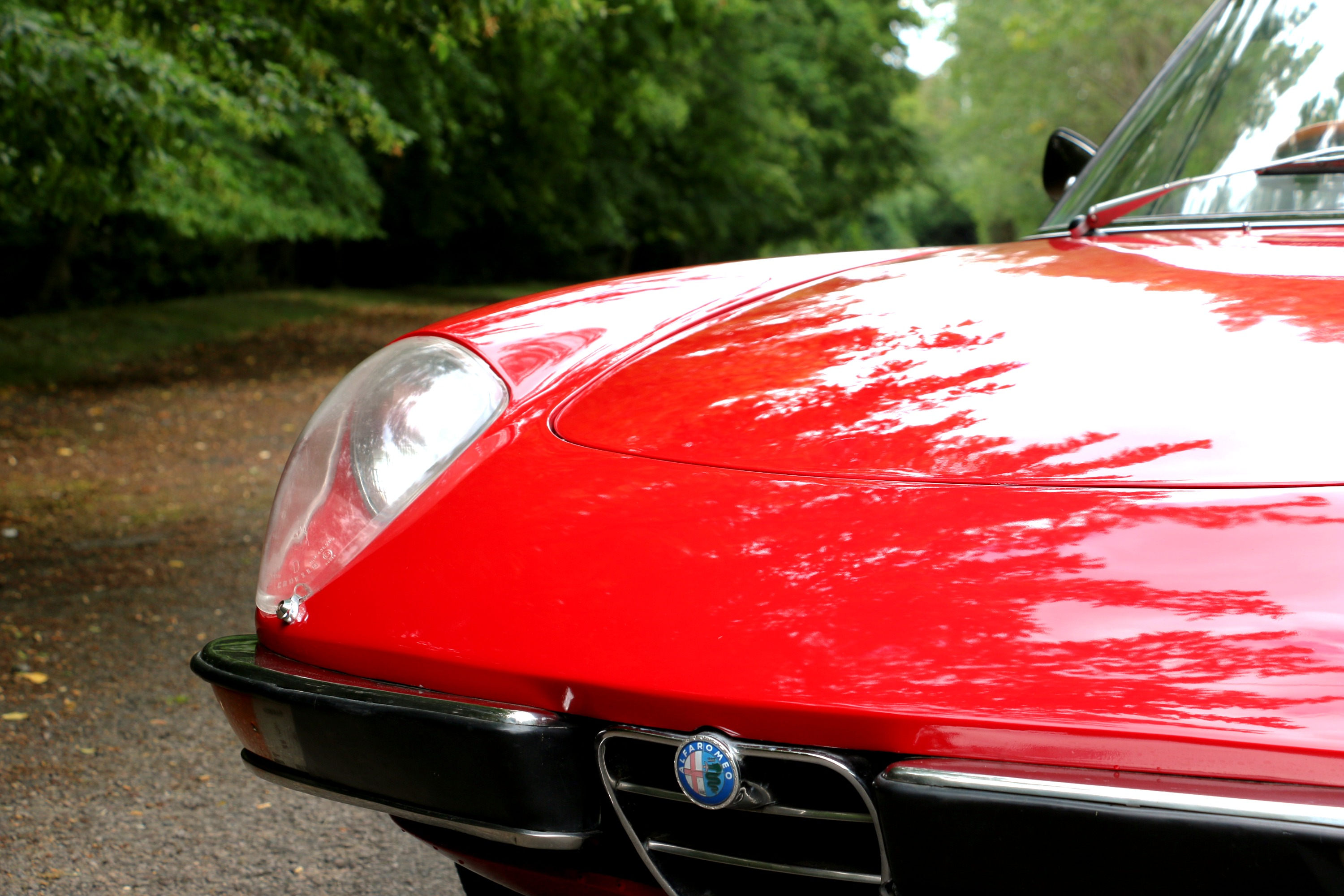 Alfa Romeo 2000 Spider for hire 9