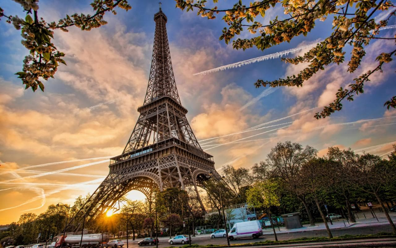 Paris-travel-AP65117955-xlarge