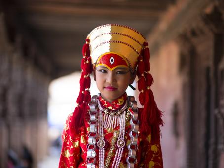 Hindistan'da Bir Tanrı: Kumari…