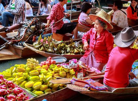 Asya'nın Yüzen Pazarlarında Alışveriş Bir Başka Keyifli