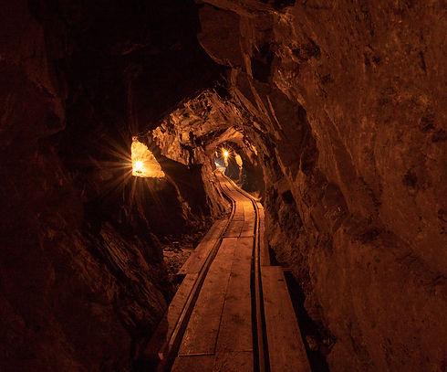 English-Tunnel-Interior-1.jpg