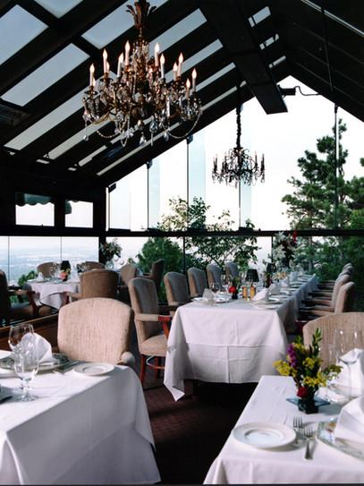 Dining_skyligt_room.jpg