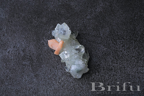 アポフィライト原石(4×9.5×4.5cm)