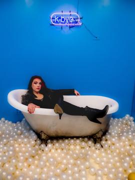Bathtub room-4.jpg