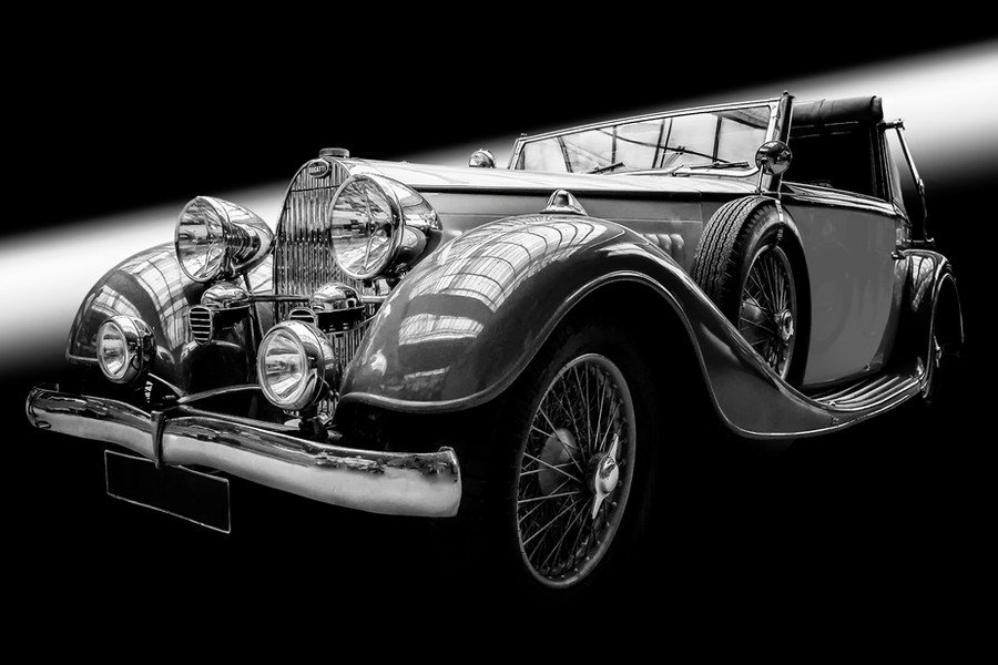 Bugatti SW Kalenderals Smartobjekt-1.jpg
