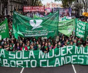 ¿Sabes qué decidió la Cámara de Diputados Argentina sobre el aborto?
