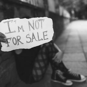 ¡Modelo de 20 años dice ser drogada y secuestrada para ser vendida en línea!