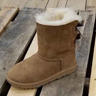 UGG® Women's Bailey Bow II Boot Chesnut