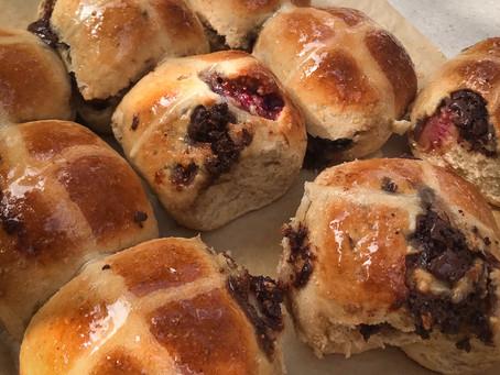 Fig & Dark Chocolate Hot Cross Buns