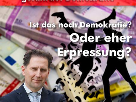 Gefährdet ein Spendenstopp von Daimler die Demokratie? Wir glauben es nicht. Es stärkt sie vielmehr!