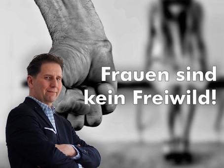 Silvester-Schande in Köln 2015/16: Nur 3 Verurteilungen! - AfD: Frauen sind kein Freiwild!